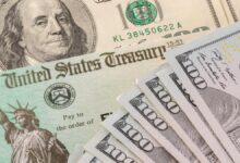 स्टिमुलस चेक बुधवार को सुबह 9:00 बजे बड़े बैंकों में आ रहे हैं