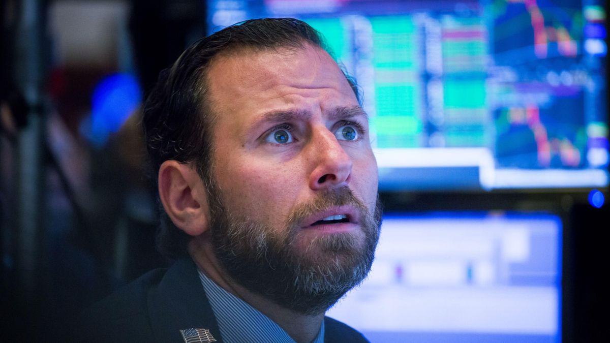 डॉव फॉल्स 300 अंक: 'भारी' मुद्रास्फीति पढ़ने के बाद स्टॉक तीसरे दिन फिसल गया
