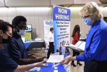 बैंक ऑफ अमेरिका के अनुसार, श्रम की कमी से मजदूरी बढ़ेगी