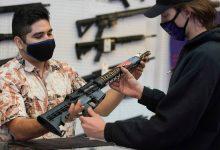 एक न्यायाधीश ने कैलिफोर्निया के आक्रमण हथियार प्रतिबंध को हटा दिया।  यहाँ आगे क्या होता है।