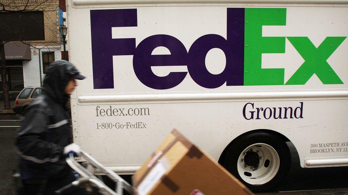 अमेरिका भर में प्रतिबंधात्मक मतदान कानून के पीछे समूह के साथ संबंध काटने के लिए सैकड़ों कंपनियों पर दबाव डाला गया