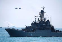 रूस ने चेतावनी दी है कि वह क्रीमिया के जल क्षेत्र में प्रवेश करने वाले नाटो जहाजों पर आग लगाने या बमबारी करने के लिए तैयार है
