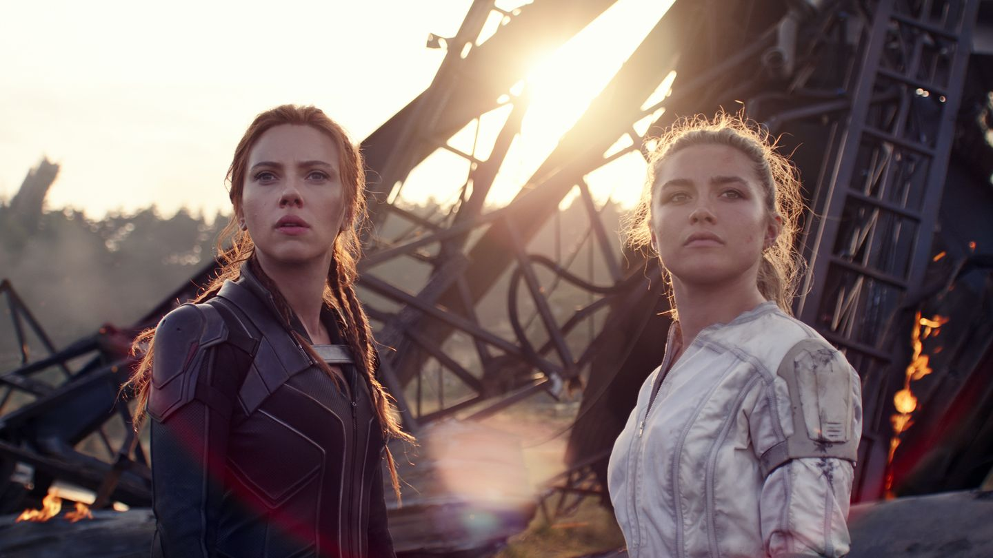 How A Sisterly Friendship Helped Florence Pugh Through Black Widow