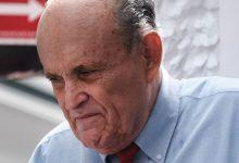 NY शासन के बाद डीसी में गिउलिआनी का कानून लाइसेंस निलंबित