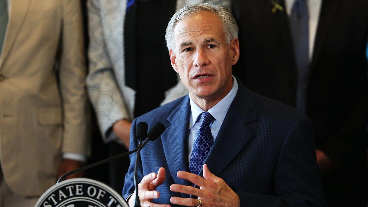 टेक्सास और फ़्लोरिडा ने बाहर से मदद का अनुरोध किया, कोविड सर्जेस के बीच-लेकिन फिर भी शमन उपायों का विरोध करें