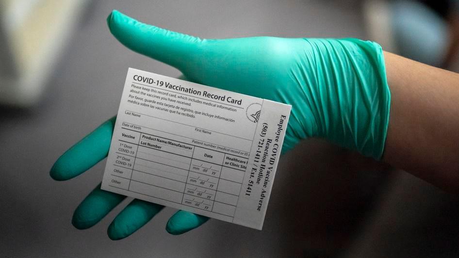 लॉस एंजिल्स को जल्द ही व्यवसायों में प्रवेश करने के लिए टीकों की आवश्यकता हो सकती है