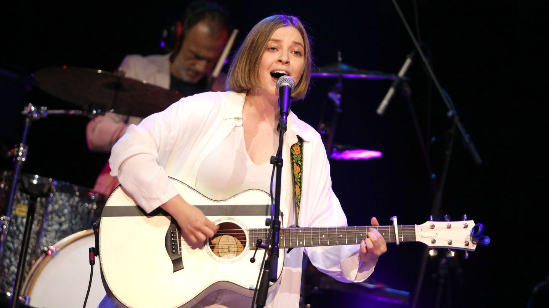 Jade Bird's Transatlantic Songs Of Light