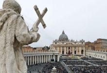 रिपोर्ट: ग्राइंडर का उपयोग करने वाले पुजारियों के आरोपों ने कैथोलिक चर्च को स्तब्ध कर दिया है