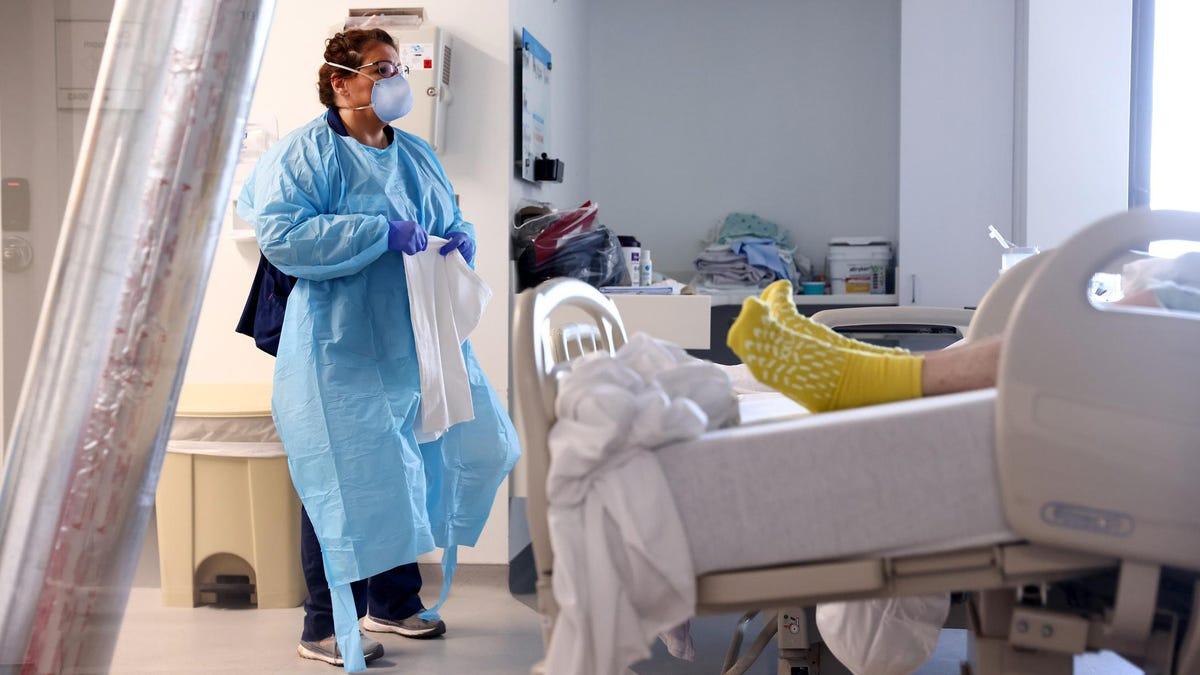 असंक्रमित कोविड मरीजों की लागत अमेरिकी स्वास्थ्य प्रणाली अरबों है – और वे इसके लिए भुगतान करने वाले नहीं हैं