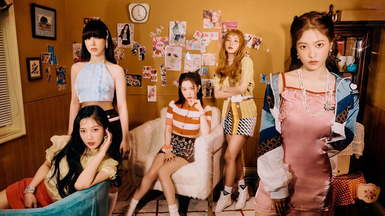Red Velvet Shine Together