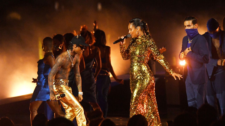 Alicia Keys Honors New York City In Stirring VMAs Performance