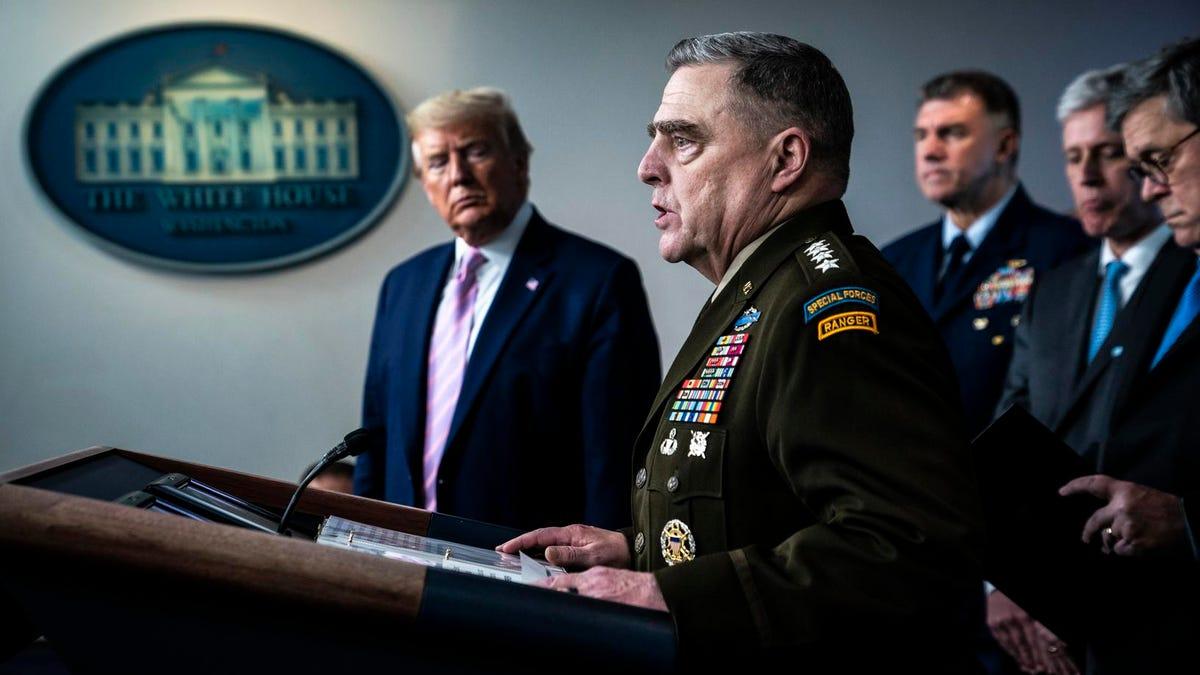 जनरल मिले ने कथित तौर पर 6 जनवरी के बाद ट्रम्प की परमाणु हमले की शक्तियों को सीमित करने के लिए कदम उठाए